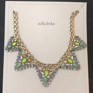 Stella and Dot Palmia Necklace